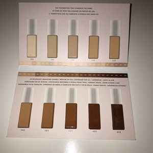 4/10$ Fenty Beauty foundation sample